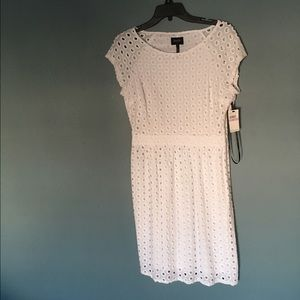 Laundry by Design Dresses & Skirts - NWT. Laundry by Design White Circle Dress. Size 6.