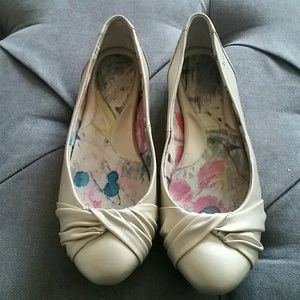 b.o.c. Shoes - Born Crown ivory flats size 6.5