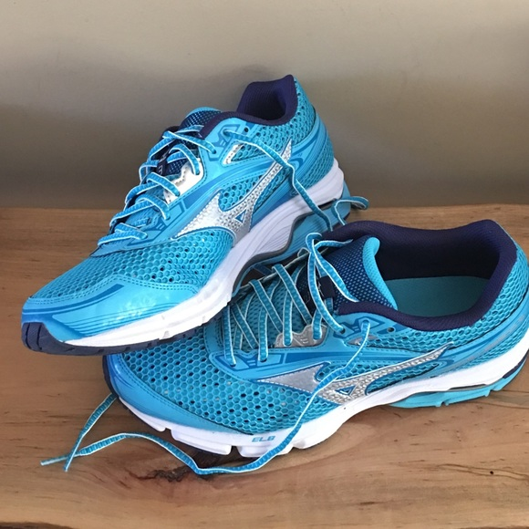 wholesale dealer 3df7b f2b45 Mizuno 10 wave legend 3 women s running shoes run.  M 58c5c2455a49d072bc04f609