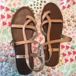 48bc85cc137d Mossimo Supply Co. Shoes - Mossimo Supply Co Lavinia Thong Sandals 7.5
