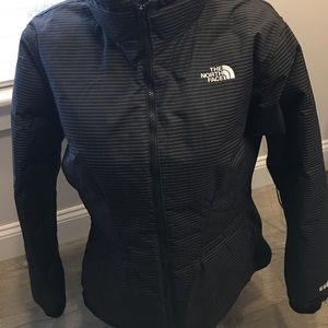 The North Face Jackets & Blazers - The North Face 550