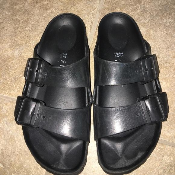 2a8f8b6cb002 Birkenstock Shoes - Birkenstock essentials arizona Rubber sandal 37-6