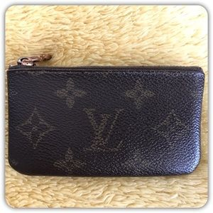 Louis Vuitton Handbags - 💯 AUTHENTIC Louis Vuitton coin/card purse