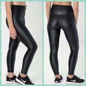 dbe0bbfbf2 D.Y.I High Shine Signature Tight yoga legging