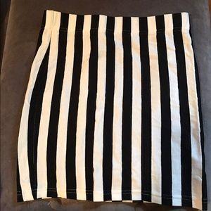 ❌Sold❌ Beetle Juice Black Mini Skirt