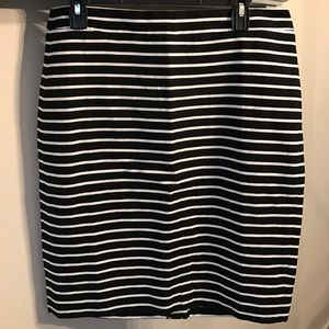 J.Crew Factory Dresses & Skirts - NWT J.Crew Factory black & white pencil skirt - 8