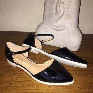 Liliana Shoes - NWT Black Flats