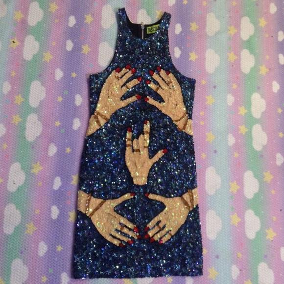 discount universe Dresses - DISCOUNT UNIVERSE HANDS SEQUIN DRESS SZ L