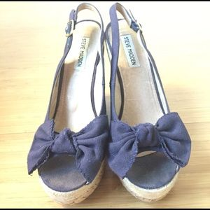 Navy blue Steve Madden high wedge