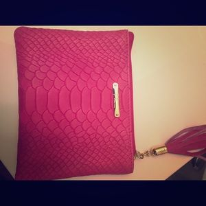 GiGi New York Accessories - Gigi New York wristlet