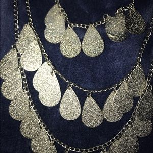 3 chain silver sparkled necklace