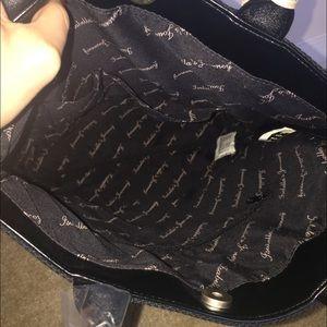 Isabella's Journey Bags - Black Dhalia urban bag