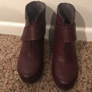 Jambu Shoes - Jambu JBU burgundy boots size 9