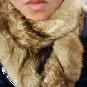 Tinley Road Accessories - Tinley Road Mink Soft Faux Fur Infinity Scarf NWOT