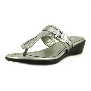 Unisa Shoes - Unisa Sandals Pewter NWOT NEW WITHOUT TAGS