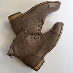 Avenue Shoes - Taupe Lace Up Boots