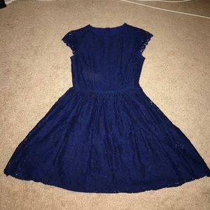 H&M Dresses & Skirts - Navy lace dress