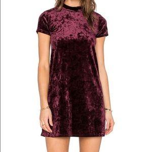 Eight Sixty Dresses & Skirts - Burgundy short sleeve velvet dress