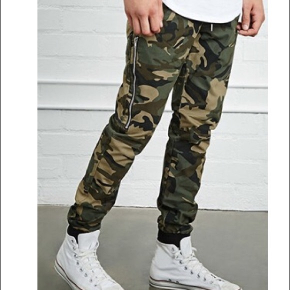 5a36f256f193b Forever 21 Other - Forever 21 Men // Camo Print Joggers