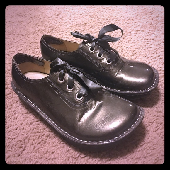 Alegria Abbi Lace Up Shoes
