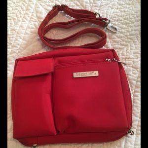 Baggallini Handbags - Baggalini Convertible Crossbody