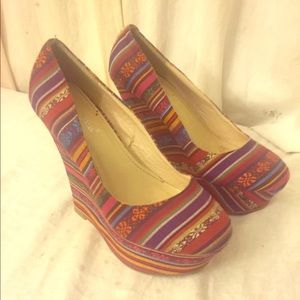 Nature Breeze Shoes - Southwestern Pattern Platform Wedges EUC Size 8