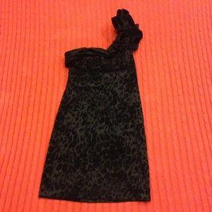 Snap Dresses & Skirts - Cool black cocktail dress