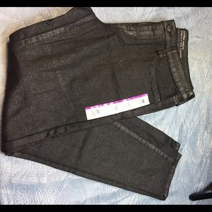 Pants - Mossimo denim Mid-Rise Jegging one in BURGUNDY