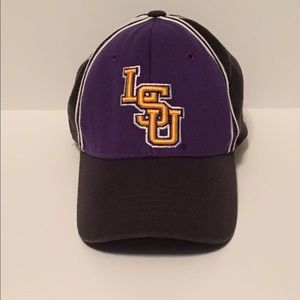 Top of the World Other - Top Of The World Embroidered 🐯LSU🐯One Fit Cap