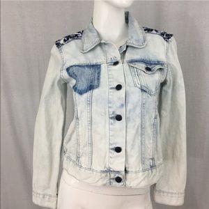 Rock & Republic Jackets & Blazers - 🍭Small Rock Republic Hitchhiker Light Jean Jacket