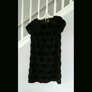 Ali Ro Dresses & Skirts - Ali Ro Black Floral Applique Shift Dressv