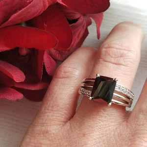 Jewelry - 🎉HP🎉 BLACK SPINEL GEMSTONE RING