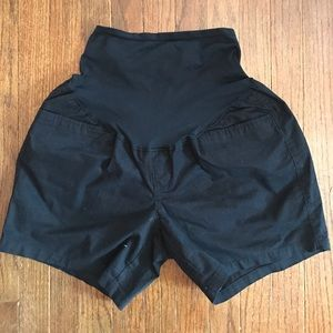 Old Navy Pants - Black maternity shorts.
