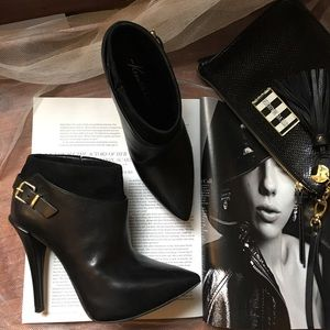 Kenneth Cole Shoes - Kenneth Cole black bootie size 6M
