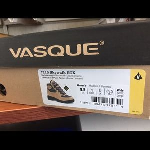 Vasque Shoes - Vasque Skywalk GTX Women's 8.5 wide