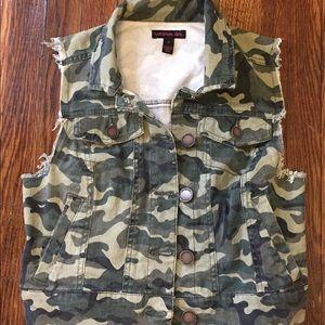 Material Girl Camo Vest