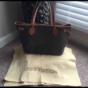 Louis Vuitton Handbags - TAKING OFFERS✨✨✨ Authentic LV Neverfull PM