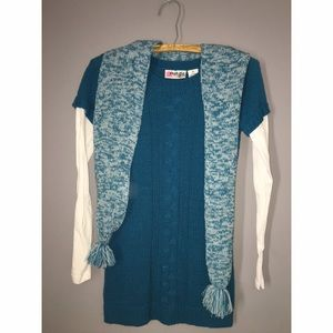 Teal Sweater junior  Sz Medium