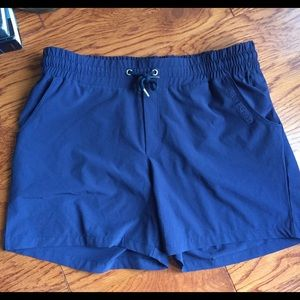 Helly Hansen Pants - Women's Helly Hansen Dri fit shorts like new M 32""
