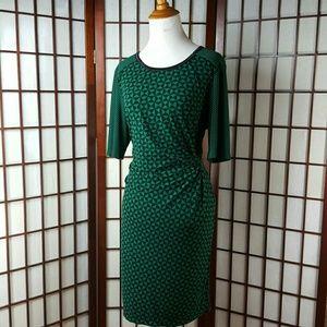just taylor Dresses & Skirts - Green Geometric JUST TAYLOR Dress Size 14