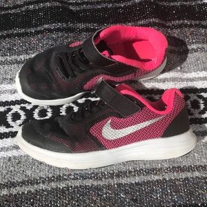 Nike Other - Girls Nike Revolution 3 -shoes size:13
