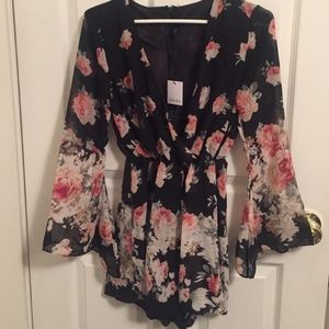 CHOISE Other - Choise floral romper