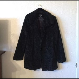 East 5th Jackets & Blazers - Beautiful black velvet long coat❤️