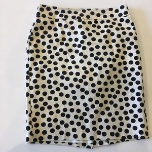 Form fitting Ann Taylor skirt