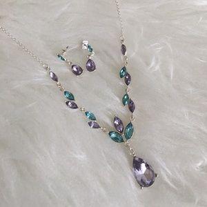 Jewelry - Pretty necklace set ❤️
