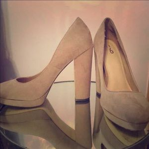 Shoes - Brown suede block heels 9.5