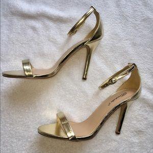 Breckelles Shoes - Sz 9 Breckelles Gold Heels