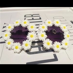 Forever 21 Accessories - Sunflower sunglasses