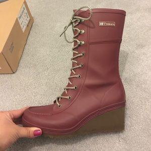 Tretorn Shoes - Tretorn Burgundy Rubber Rain-boots Size 8