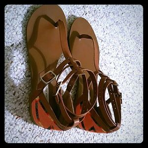Cynthia Vincent Shoes - Cynthia Vincent Sandals Size 6 Tan Coral